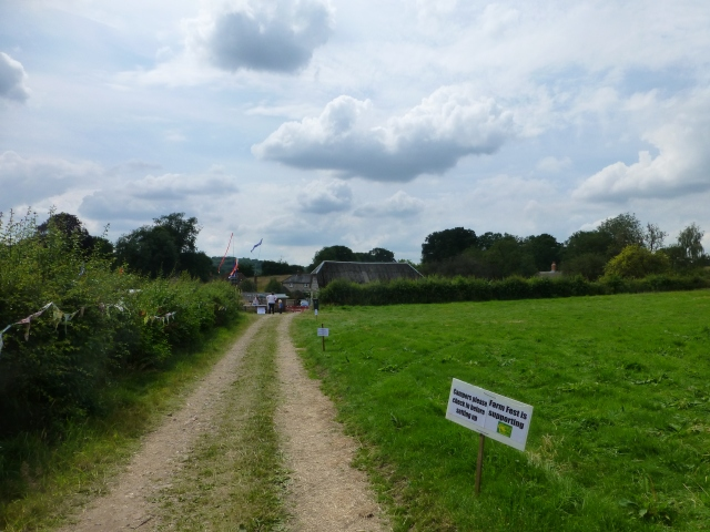 The route into Farm Fest 2014 at Parsonage Farm, Andover
